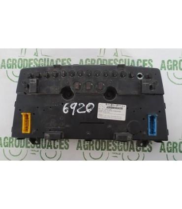 Cuadro De Instrumento Usado Para Tractor John Deere AL166108