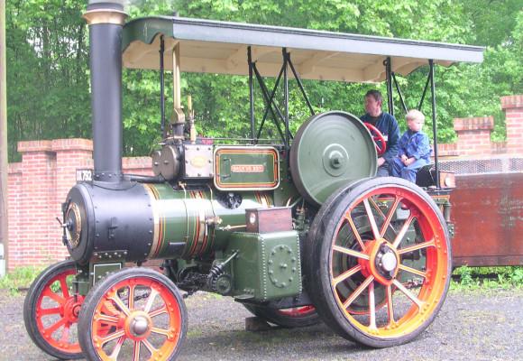 El locomóvil, el antecesor del tractor moderno